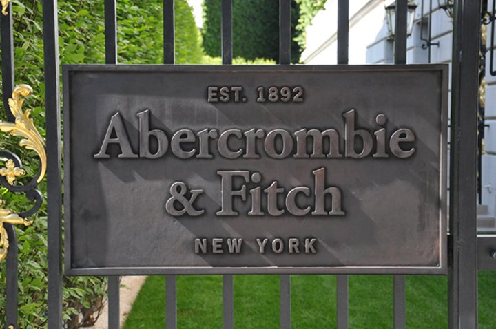 Abercrombie and Fitch opening in Paris, ça ce precise !