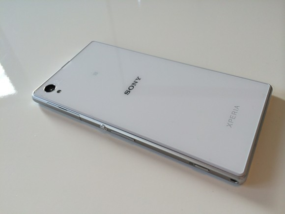 Sony_XPERIA_mobile_07