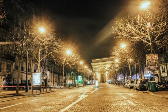 Champs Elysées - Desert in Paris - © Genaro Bardy