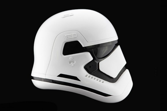 StormTrooper-Helmet-Star-Wars_Anovos_Force_awakens_02