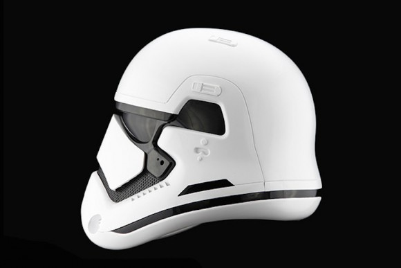 StormTrooper-Helmet-Star-Wars_Anovos_Force_awakens_03
