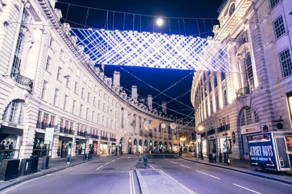 Desert in London - Regent Street Moon - Christmas 2015 - Genaro Bardy -22