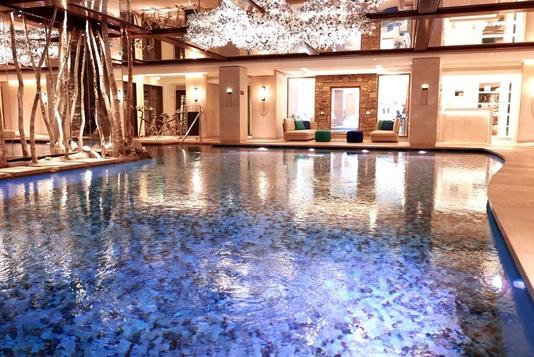 nouveautes spa cheval blanc courchevel With mobilier de piscine design 15 nouveautes spa cheval blanc courchevel