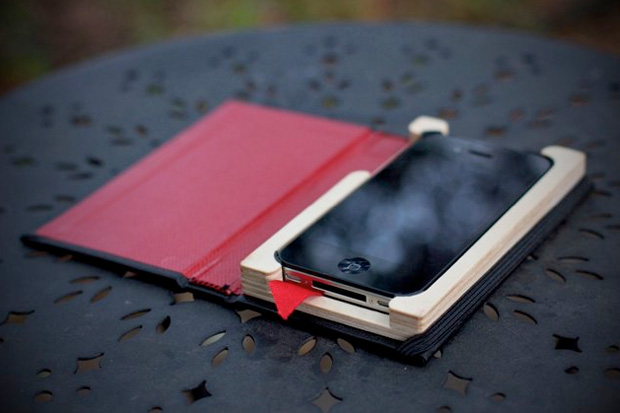 pad-quill-black-book-iphone-case